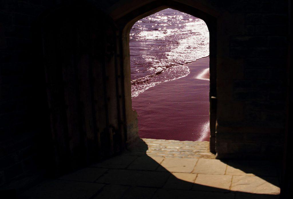 doorway-981803_1280
